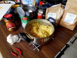 bila-ryze-s-kokosovym-mlekem-kari-chilli-veganske-recepty-vegan-veganska