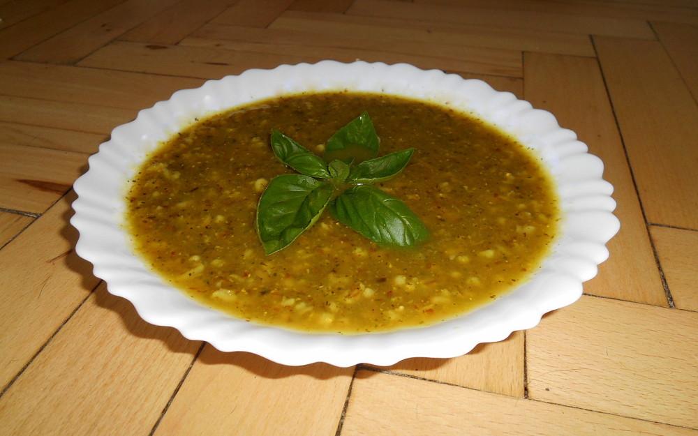 cuketová polévka s kroupami / veganské recepty / polévka z cuket