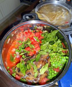 příprava omáčky puttanesca / veganské recepty