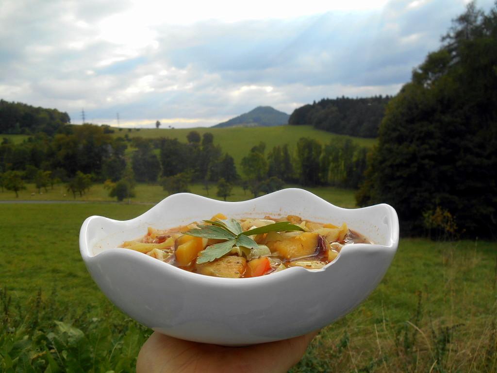 guláš s batáty a hora Panna / homole u panny / veganské recepty