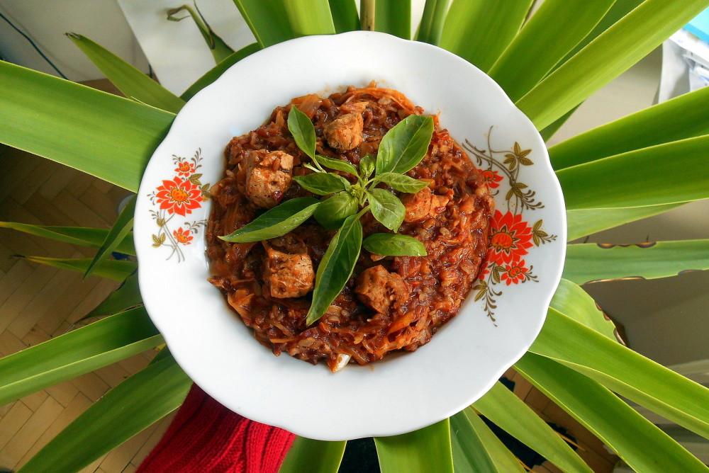 segedín s hnědou rýží / veganské recepty