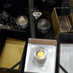 válce, vejce, pyramidy a sopky / world money fair