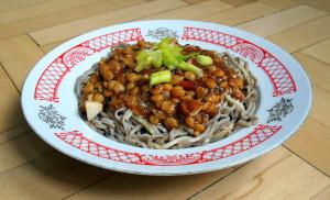 boloňské nudle / sojové soba nudle po boloňsku / veganské recepty