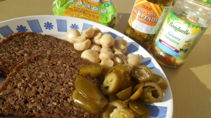 penam slunečnicový chléb, jalapeňos, žampiónky / veganské recepty, svačiny