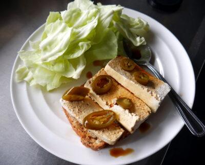 veganské-jídlo-veganské-recepty-vegan-chleb-s-tofu