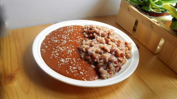 mexická kakaová omáčka mole / veganské recepty / miluna