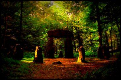 posvátný háj, les / smrt jak pohřbít