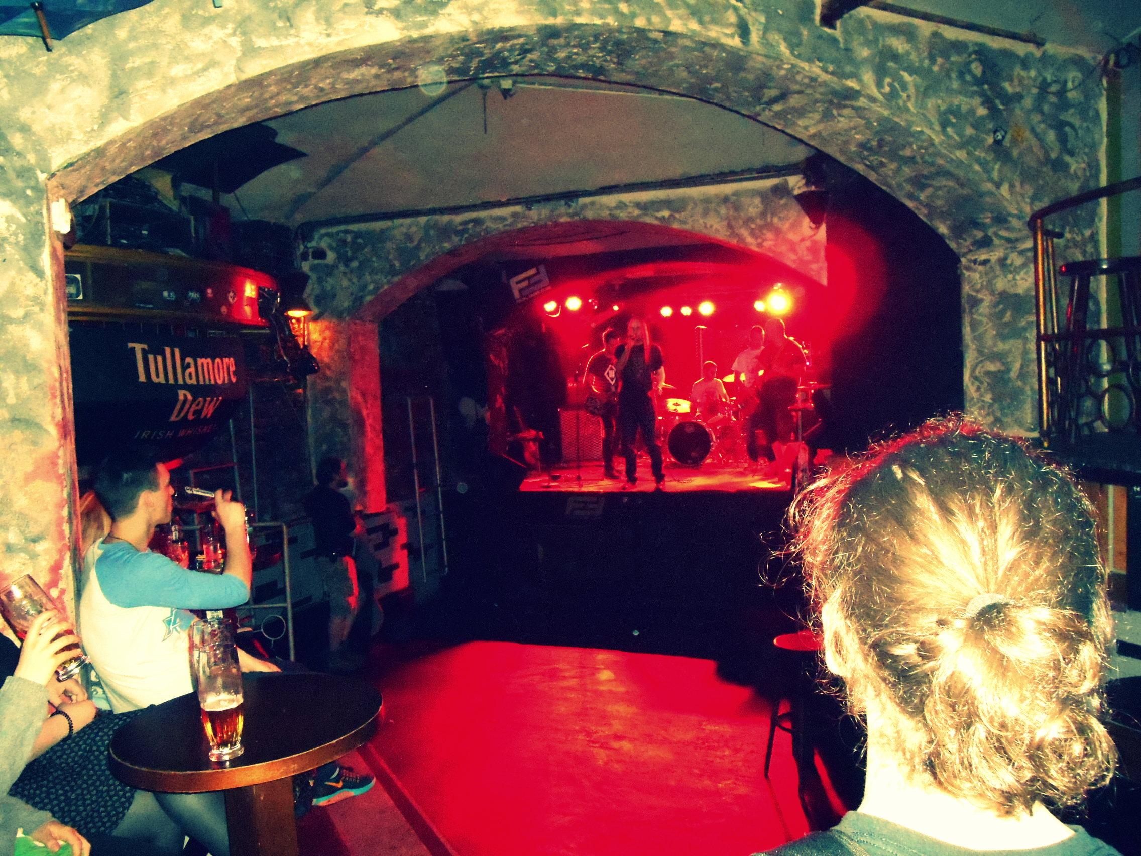 fatal music club / žižkov / cool-inch / miluna